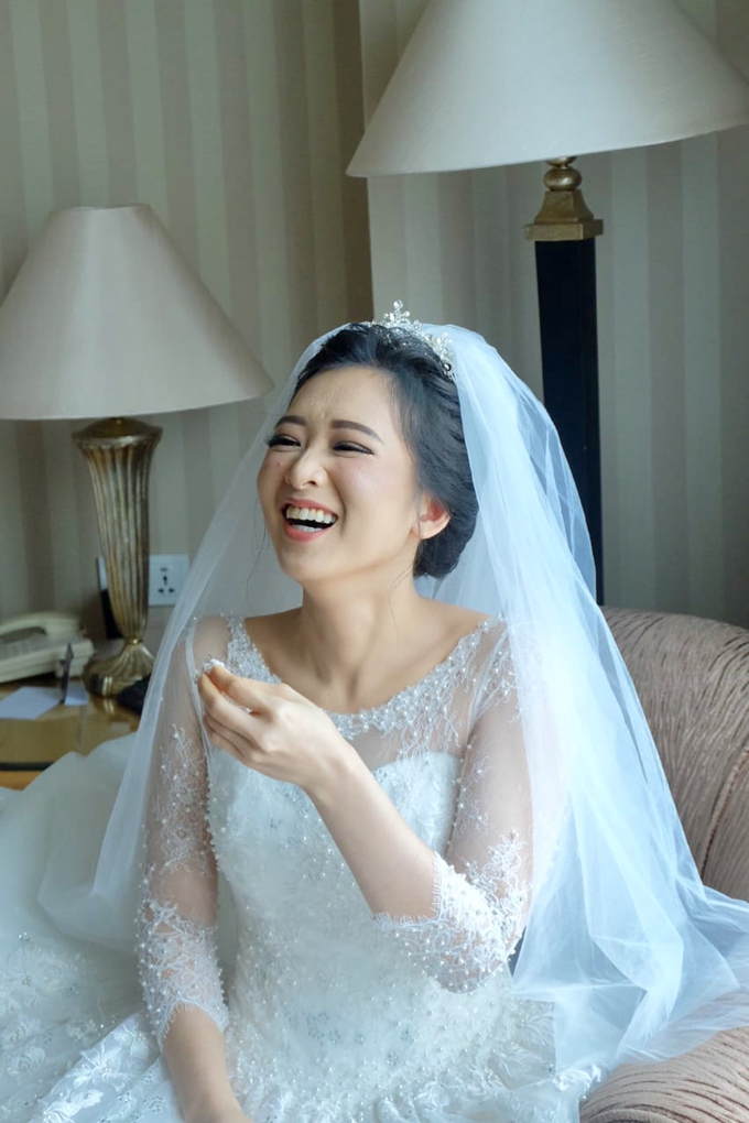 Beautiful Bride Vynda by Luminous Bridal Boutique - 005