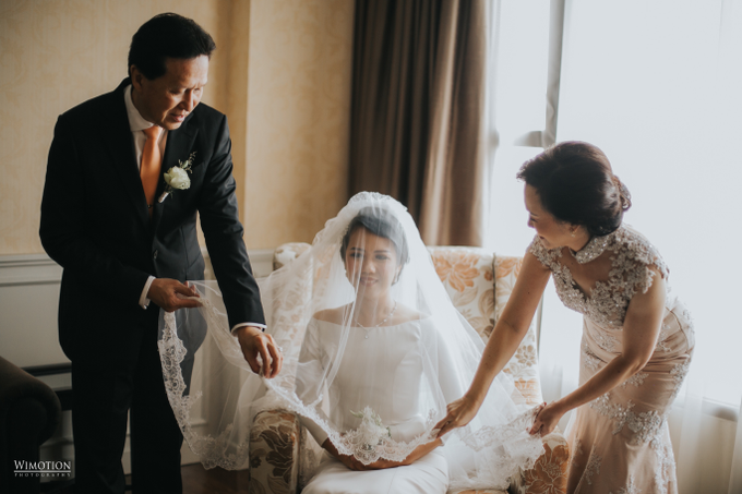 Wedding Day Ivan and Antonia by Luminous Bridal Boutique - 005