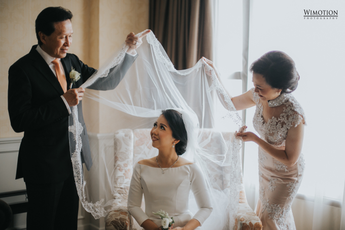 Wedding Day Ivan and Antonia by Luminous Bridal Boutique - 006