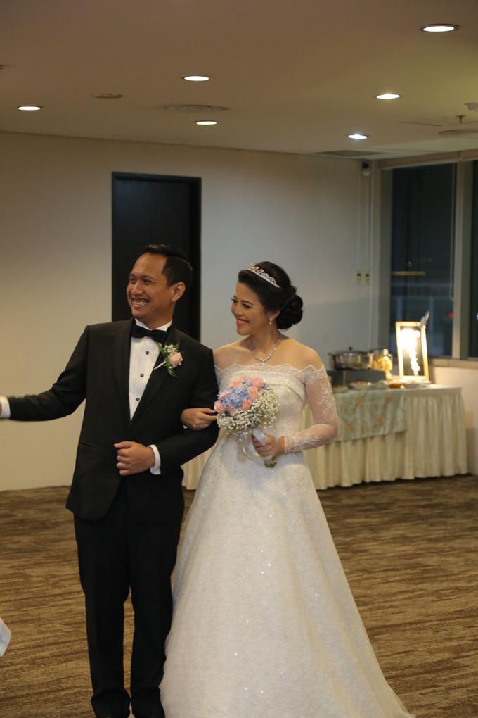 Wedding Day Banjar and Shinta by Luminous Bridal Boutique - 003