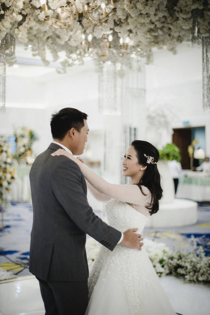Wedding Day Natasha and Andrew by Luminous Bridal Boutique - 022