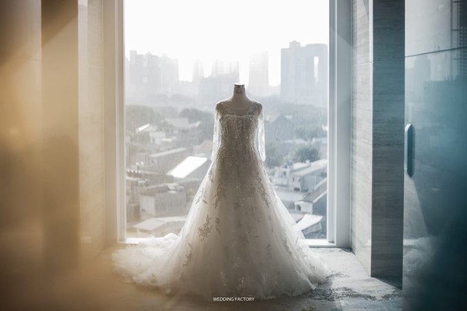 Wedding Day Juli and Victor by Luminous Bridal Boutique - 003