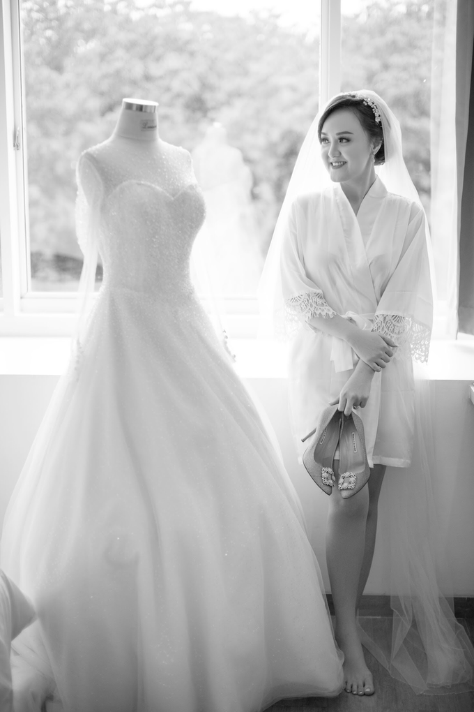 Wedding Day Chyntia and Adi by Luminous Bridal Boutique - 001