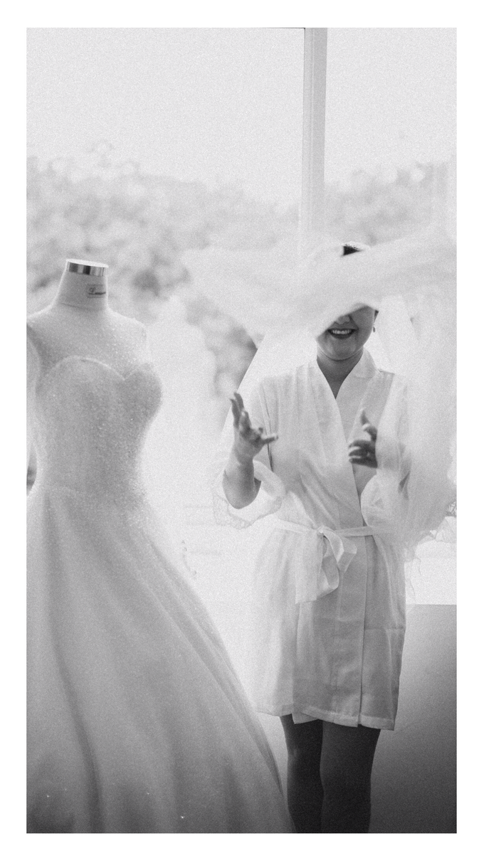Wedding Day Chyntia and Adi by Luminous Bridal Boutique - 006