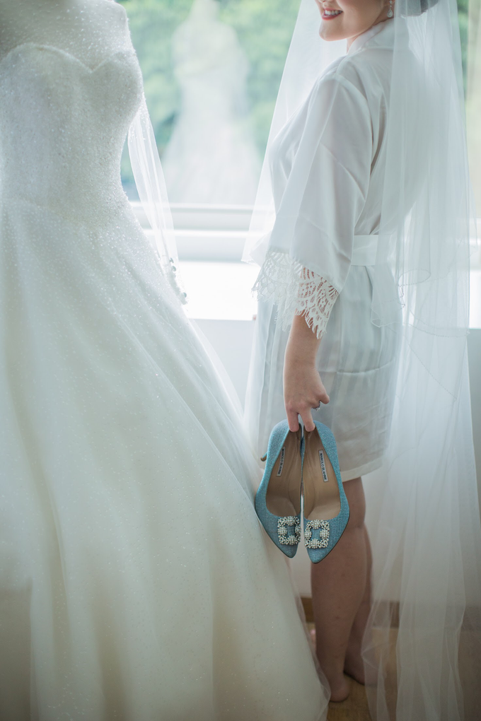 Wedding Day Chyntia and Adi by Luminous Bridal Boutique - 015