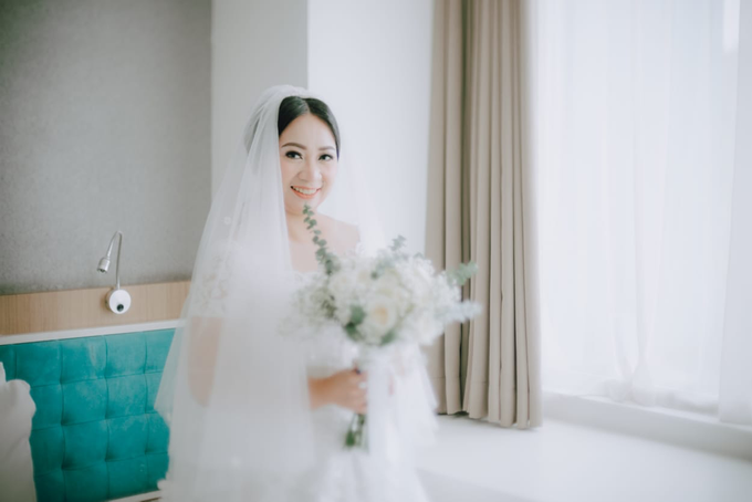 Wedding Day Ari and Nebula by Luminous Bridal Boutique - 005