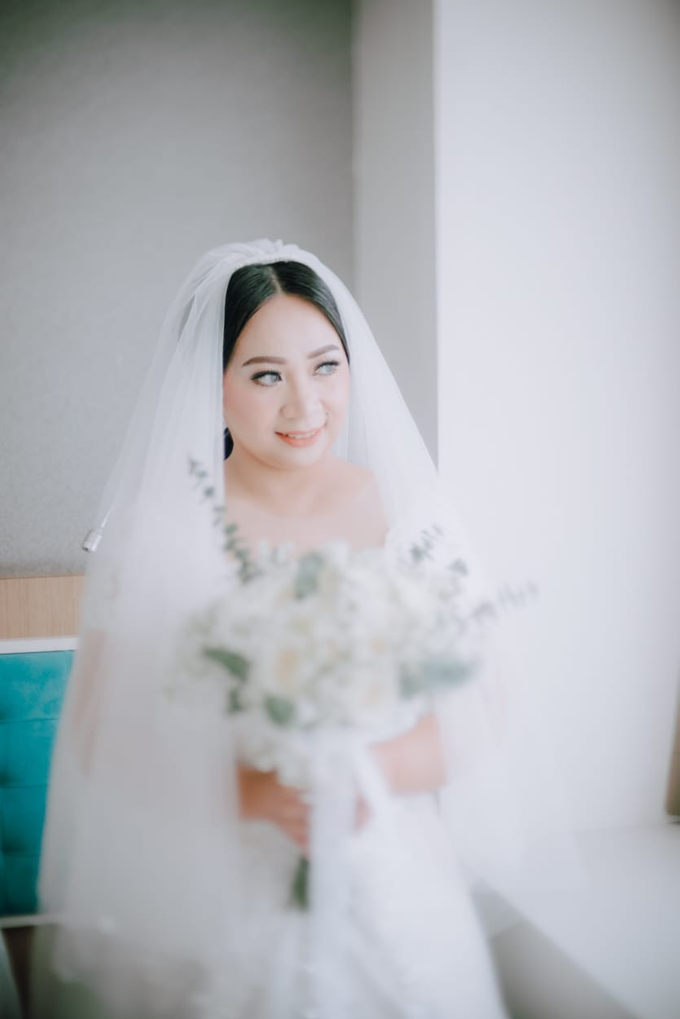 Wedding Day Ari and Nebula by Luminous Bridal Boutique - 006