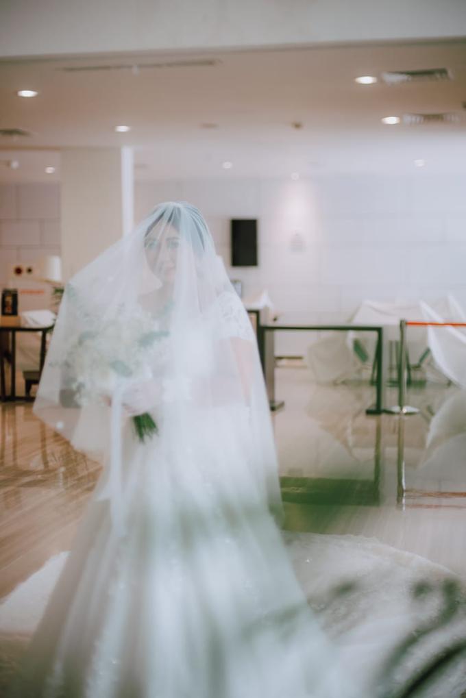 Wedding Day Ari and Nebula by Luminous Bridal Boutique - 011