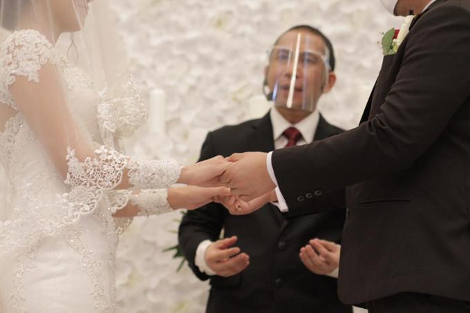 Wedding Day Glenn and Martina by Luminous Bridal Boutique - 007