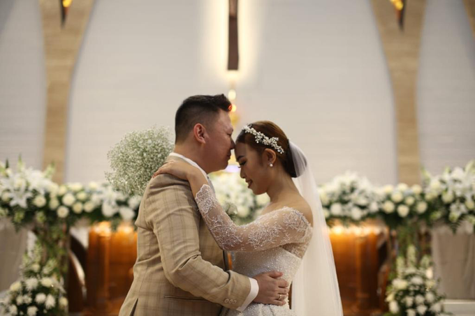 Wedding Day Krisna and Ceacilia by Luminous Bridal Boutique - 004
