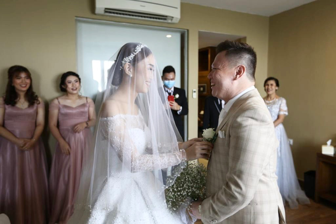 Wedding Day Krisna and Ceacilia by Luminous Bridal Boutique - 008