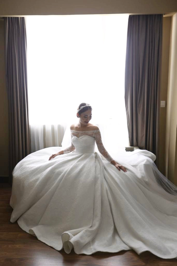 Wedding Day Krisna and Ceacilia by Luminous Bridal Boutique - 011
