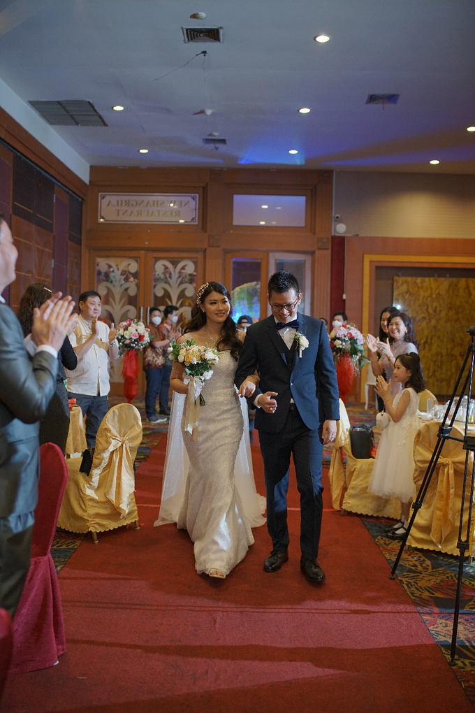 Wedding Day Jhony and Stella by Luminous Bridal Boutique - 016