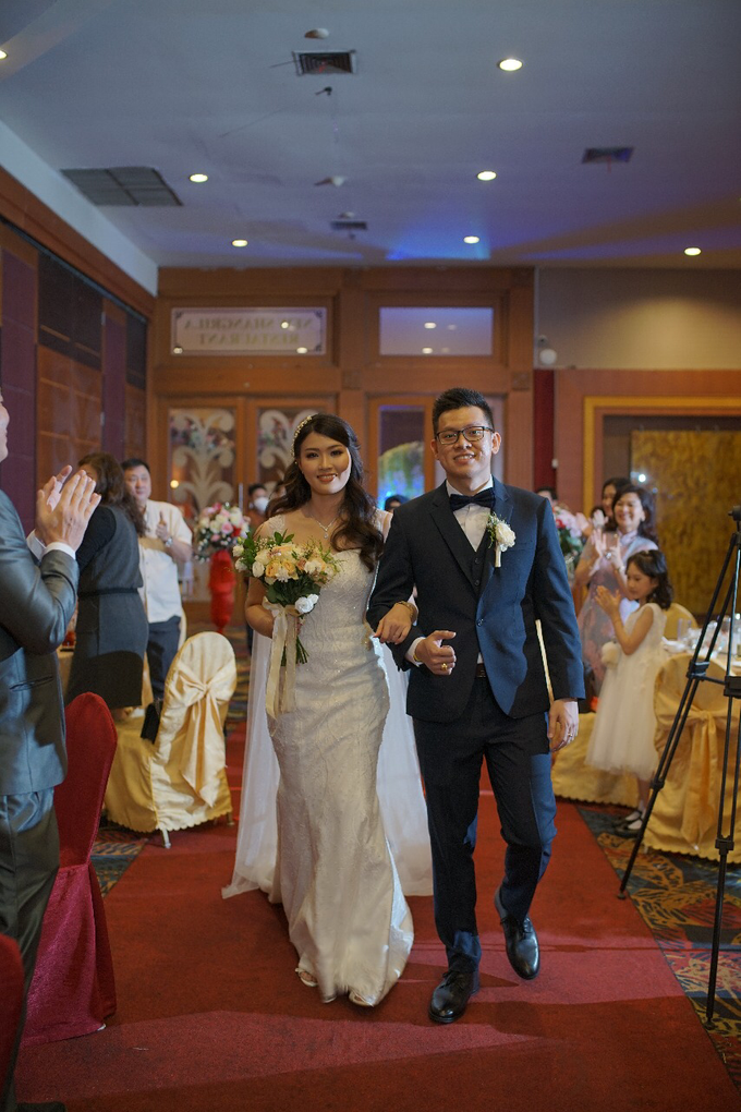Wedding Day Jhony and Stella by Luminous Bridal Boutique - 017