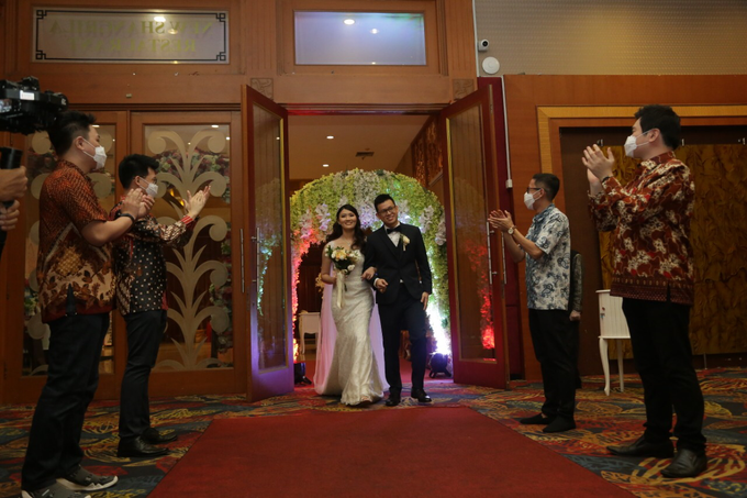 Wedding Day Jhony and Stella by Luminous Bridal Boutique - 018