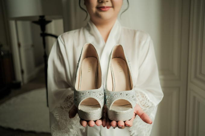 Wedding Day Djaka and Vina by Luminous Bridal Boutique - 004