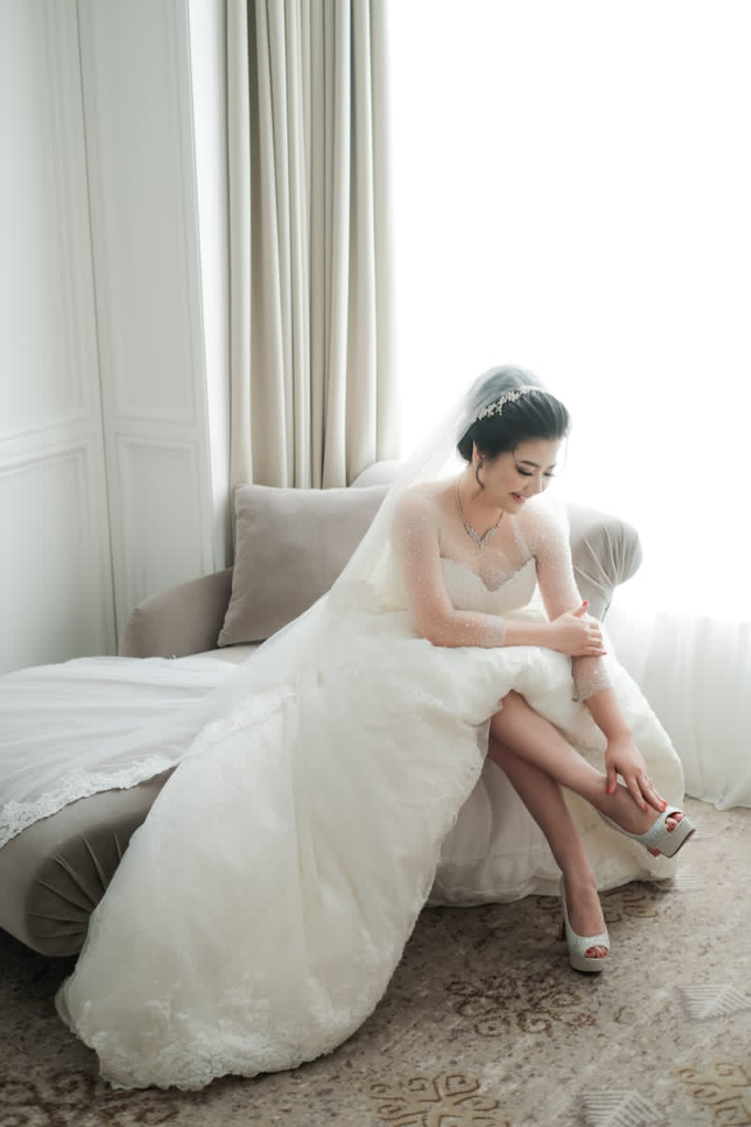 Wedding Day Djaka and Vina by Luminous Bridal Boutique - 002