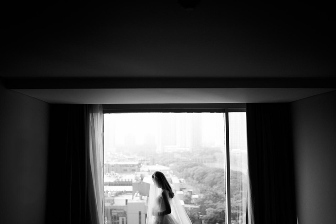 Wedding Day Risky and Theresia by Luminous Bridal Boutique - 007