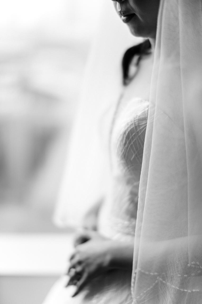 Wedding Day Risky and Theresia by Luminous Bridal Boutique - 008