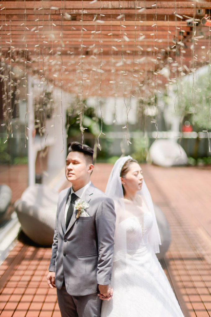 Wedding Day Risky and Theresia by Luminous Bridal Boutique - 012