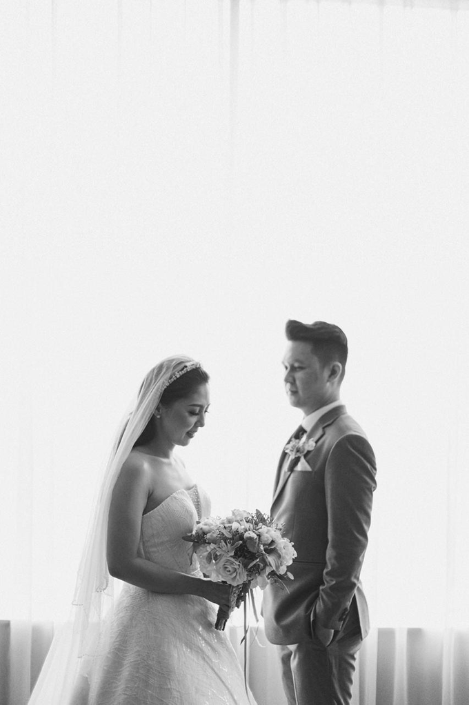 Wedding Day Risky and Theresia by Luminous Bridal Boutique - 015