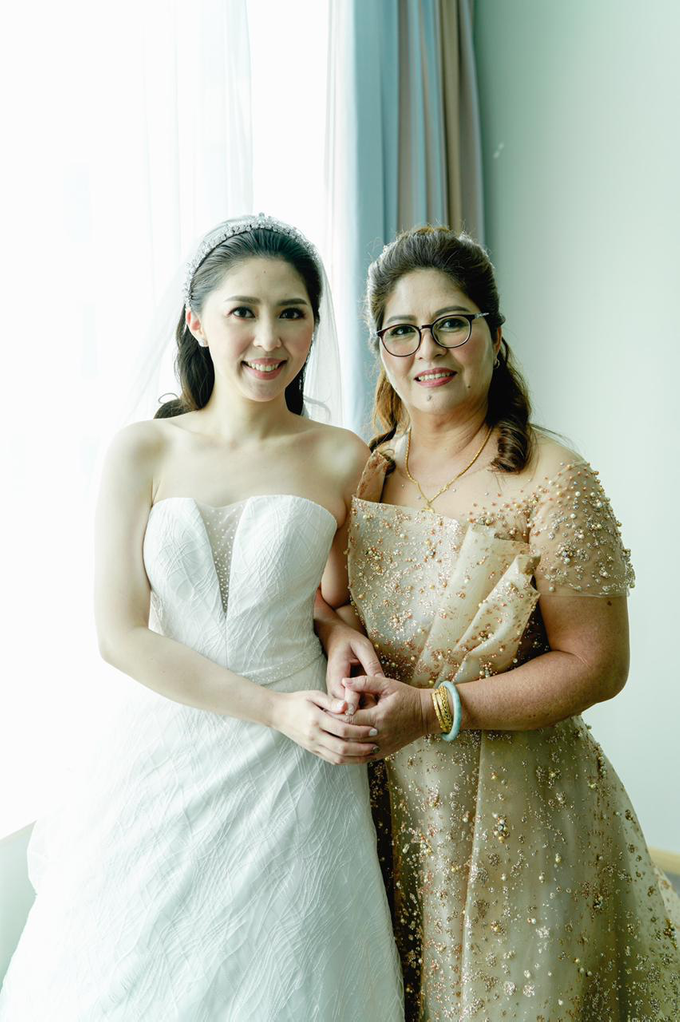 Wedding Day Risky and Theresia by Luminous Bridal Boutique - 016