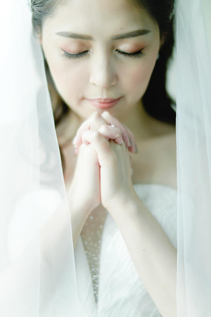 Wedding Day Risky and Theresia by Luminous Bridal Boutique - 018