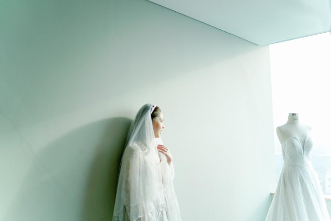 Wedding Day Risky and Theresia by Luminous Bridal Boutique - 025