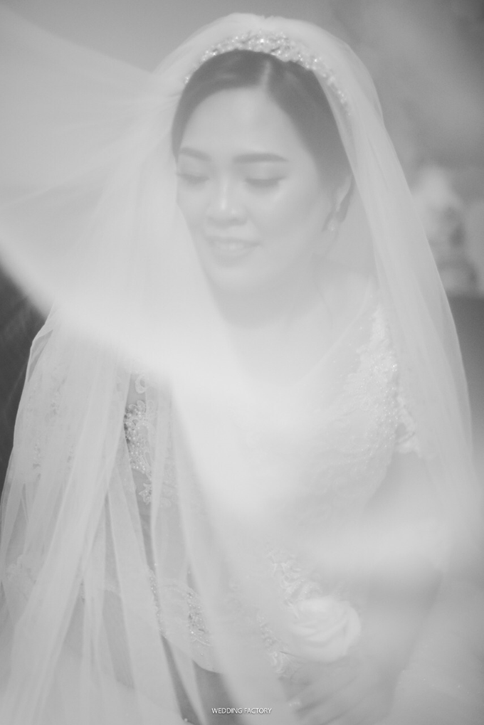 Wedding Day Andreas and Deliana by Luminous Bridal Boutique - 001