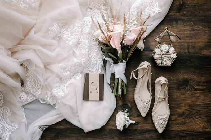 Wedding Day Danny and Amelia by Luminous Bridal Boutique - 009