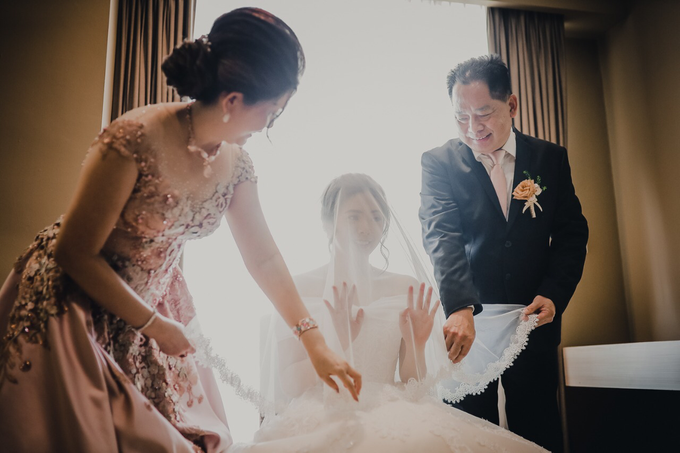 Wedding Day Stefan and Evelyn by Luminous Bridal Boutique - 003
