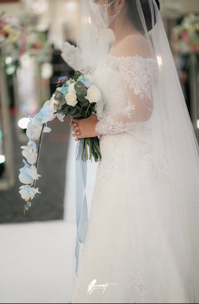 Wedding Day Brian and Caroline by Luminous Bridal Boutique - 004