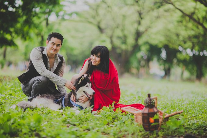 Red Riding Hood and The Hunter by Cravt Photo Props - 005