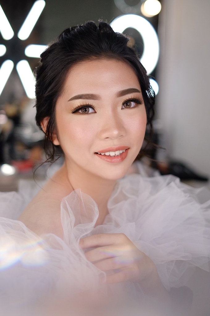 Wedding Makeup by Melisa by Lydia Merry Makeup Artist - 002