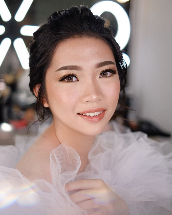Wedding Makeup by Melisa by Lydia Merry Makeup Artist - 003