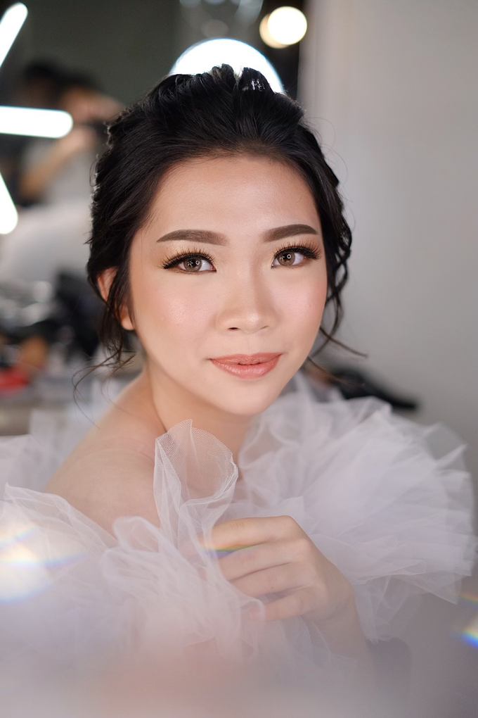 Wedding Makeup by Melisa by Lydia Merry Makeup Artist - 001