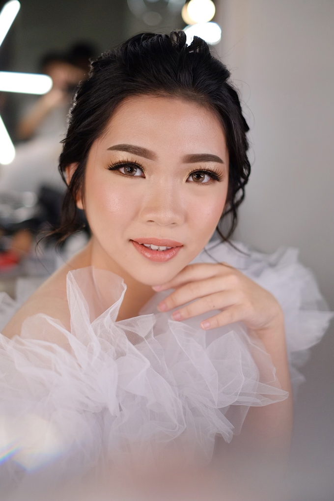 Wedding Makeup by Melisa by Lydia Merry Makeup Artist - 004