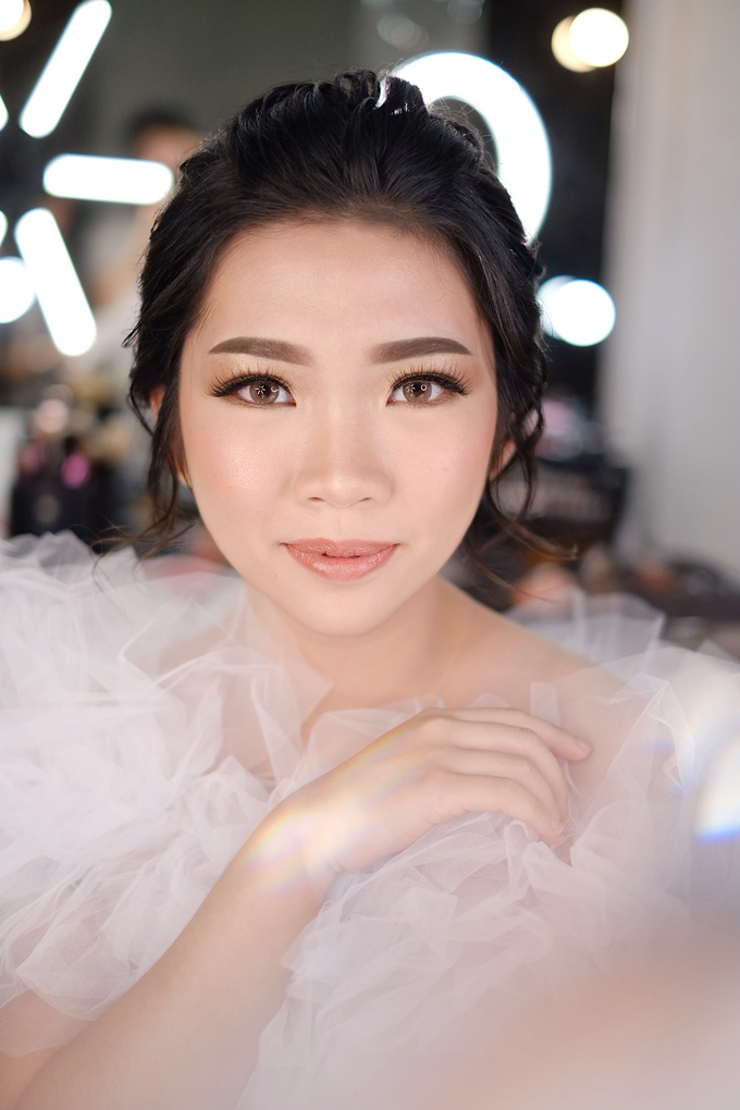 Wedding Makeup by Melisa by Lydia Merry Makeup Artist - 007