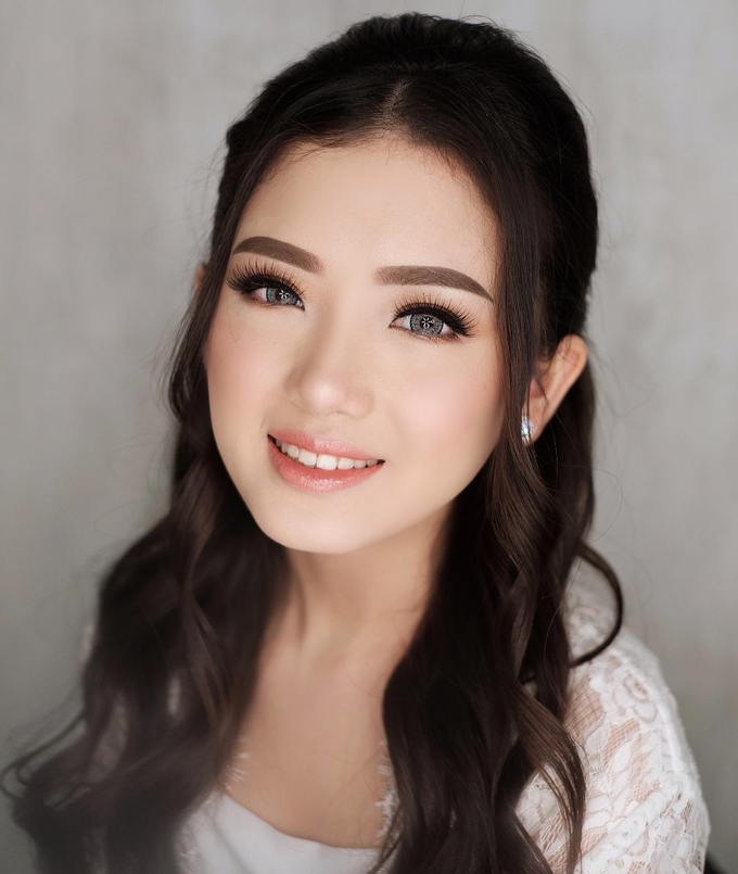 Wedding Makeup by Lydia Merry  by Lydia Merry Makeup Artist - 001