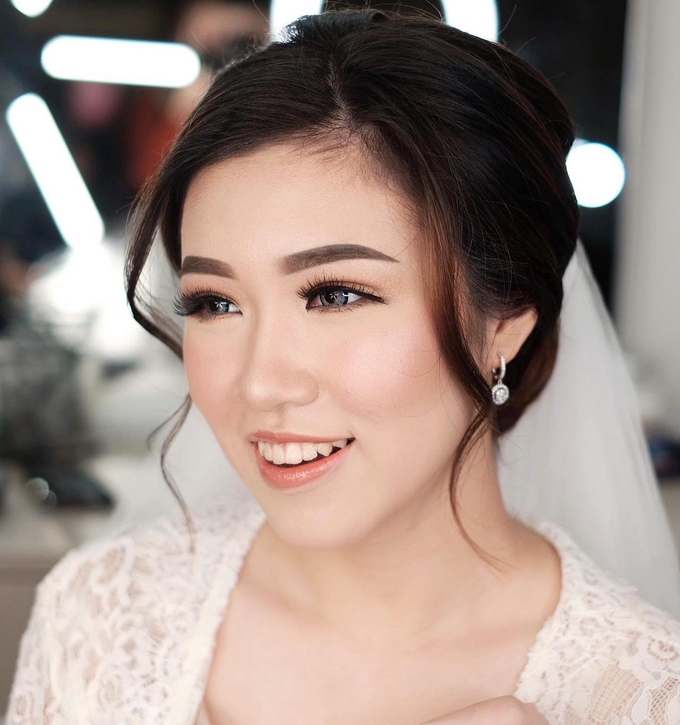 Wedding Makeup by Lydia Merry  by Lydia Merry Makeup Artist - 005