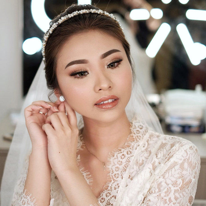 Wedding Makeup by Lydia Merry  by Lydia Merry Makeup Artist - 009