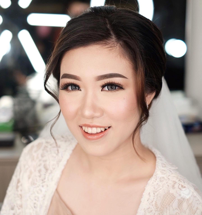 Wedding Makeup by Lydia Merry  by Lydia Merry Makeup Artist - 006