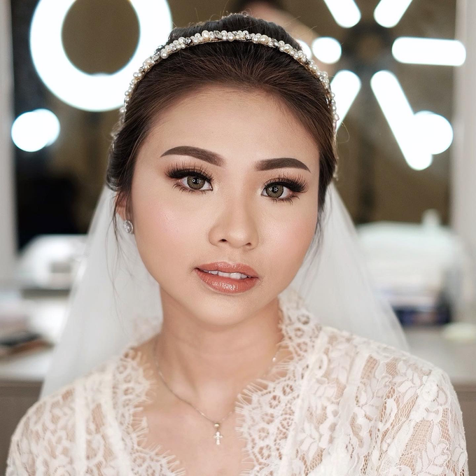 Wedding Makeup by Lydia Merry  by Lydia Merry Makeup Artist - 010