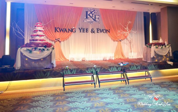Stage Backdrop Design by Wedding And You - 013