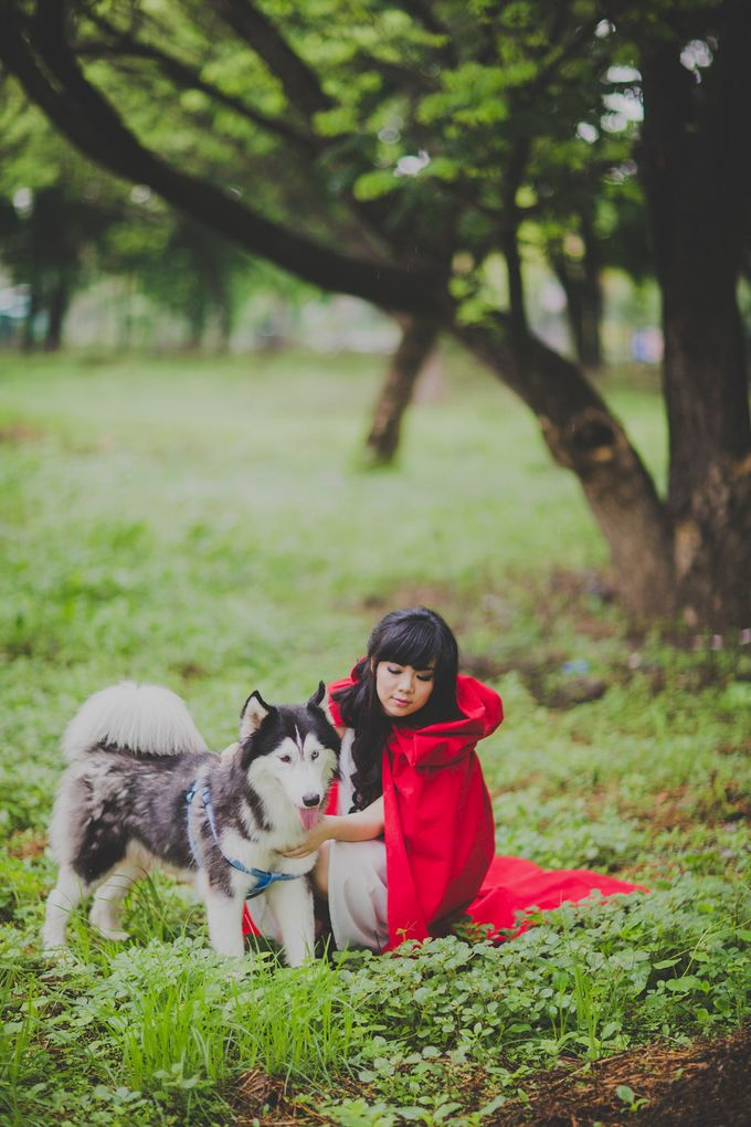 Red Riding Hood and The Hunter by Cravt Photo Props - 007