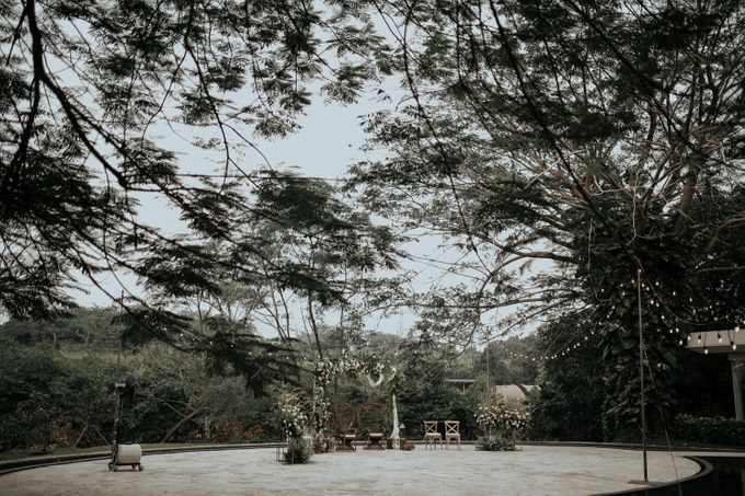 HELEN & MARKUS by Raffles Hills Cibubur - On Green Garden Venue - 008