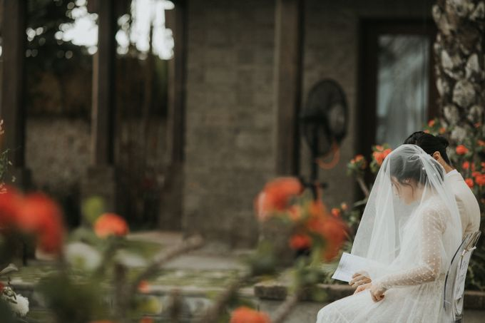 Chris & Calista Real Wedding at The Stone House by Tirtha by Tirtha Bridal - 025
