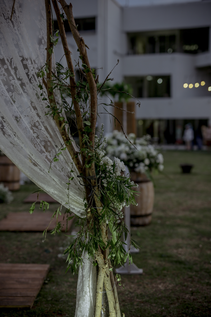 An Intimate wedding of Kinan & Anis by Maeera Decoration - 004