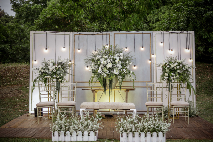 An Intimate wedding of Kinan & Anis by Maeera Decoration - 006