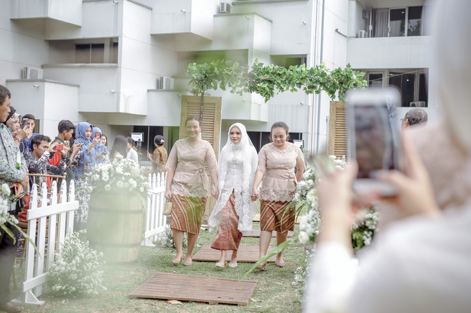 An Intimate wedding of Kinan & Anis by Maeera Decoration - 009